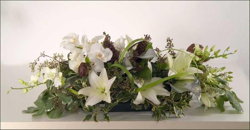 Flower centerpieces by yukiko for Dinner table flower arrangements