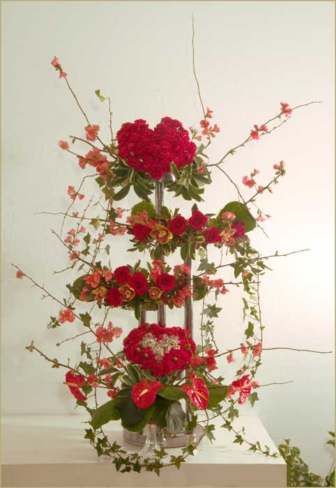 Floral design workshop by Yukiko: learn flower arranging in Marin.