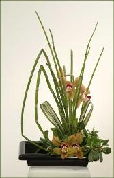 Three Sisters ikebana flower arrangement B.