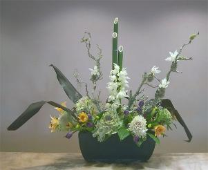 New Year's ikebana with kadomatsu bamboo theme