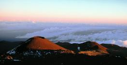 Mauna Kea Pu u at sunset, Hawaii; Coolpix 5000.