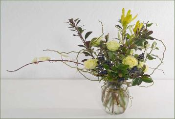 rose design, wrapped with curly willow, delivered Larkspur, Marin County.